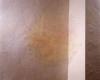 Fäden, Nadeln in Wand, ca. 100 x 90 cm